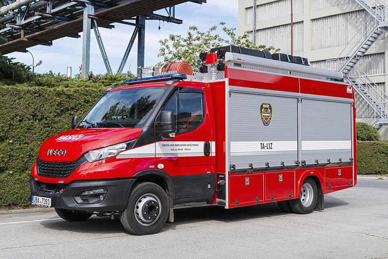 pozary.cz:Dobrovolní hasiči podniku Fosfa zařadili do svého vozového parku nový technický automobil od firmy THT, moderní vybavení a zázemí staví jednotku na vysokou úroveň